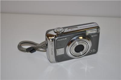 fujifilm 8.3 mp a805 digital camera