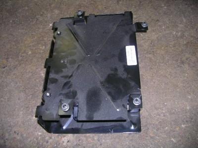 9902    VW    JETTA GOLF GTI    MONSOON       RADIO    AMPLIFIER AMP OEM   eBay