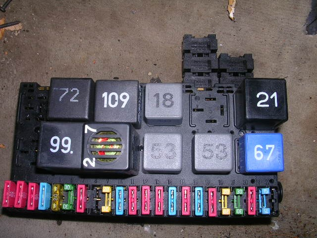 1994 vw corrado vr6 fuse box oem with relays   fuses ebay Metal Fuse Clips Ideal Fuse Clip Clamps