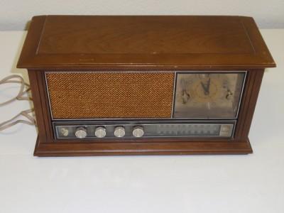 GENERAL ELECTRIC C2560 RADIO ALARM CLOCK  AM/FM  TESTED WORKING  GE
