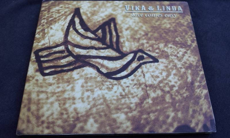 Vika-Linda-Bull-Love-Comes-Easy-3-track-digipak-single-Mushroom-CD