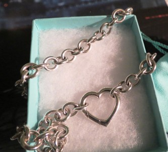 Genuine Tiffany & Co Sterling Silver Heart Clasp Link Necklace Limited