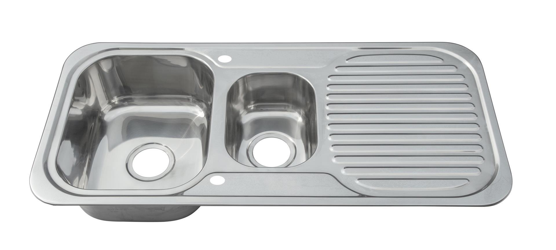 Küchen Doppelbecken 1.5 Einbauspüle. Diese Spüle ist reversibel. Hahnloch Stopfen inbegriffen.