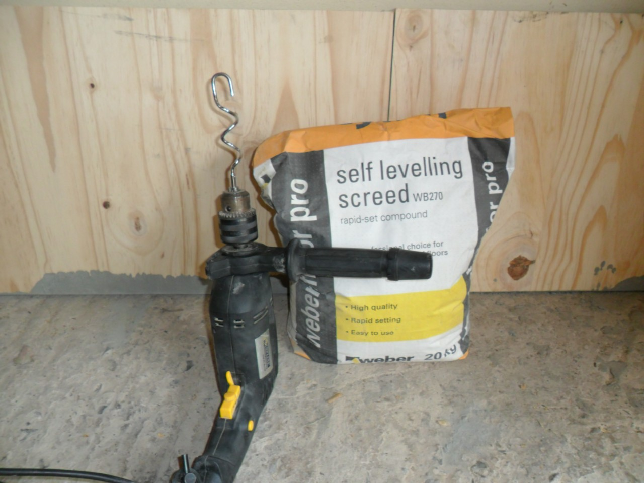 Cement Plaster Mixer Attachment For A DIY Drill