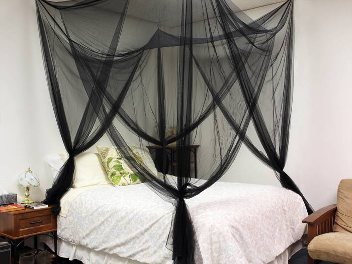4 four corner post bed black canopy mosquito net full