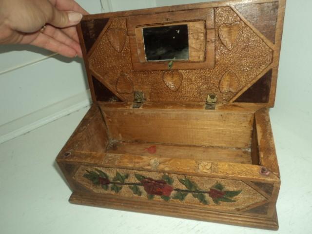 Antique ART Garden A Sweet Folk ART Jewelry Box I Found