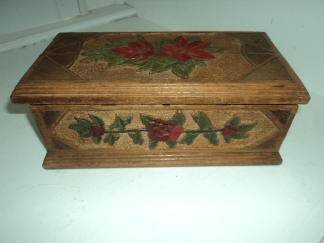 Antique ART Garden A Sweet Folk ART Jewelry Box I Found