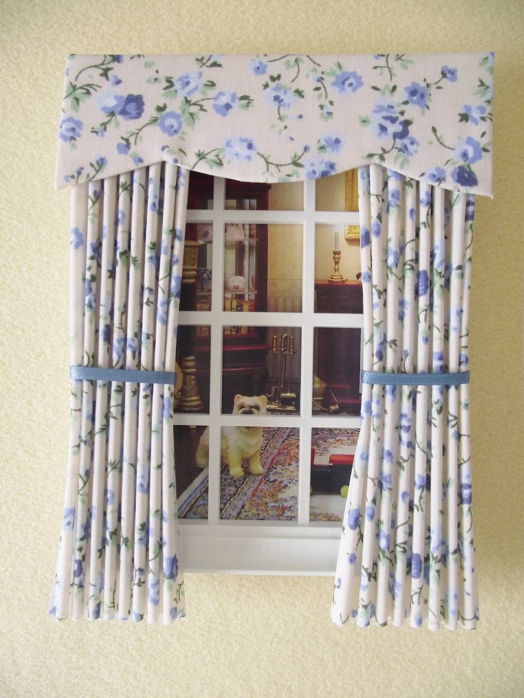 MINIATURE DOLL HOUSE MINIATURE CURTAINS DRAPES CREAM BLUE ...