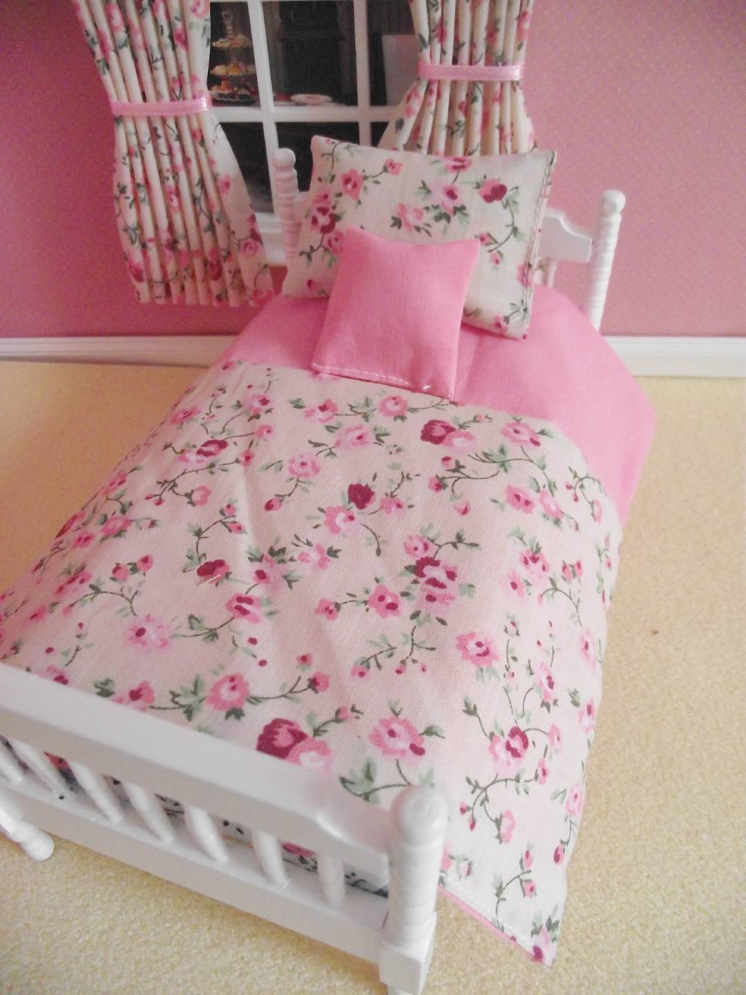Miniature dolls house 12th scale single pink floral bedding set 3pce miniature dolls house 12th scale single pink floral mightylinksfo