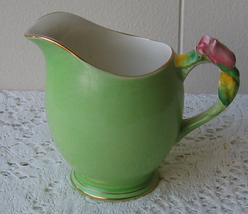 Vintage-Royal-Winton-Rosebud-LRG-Milk-Jug