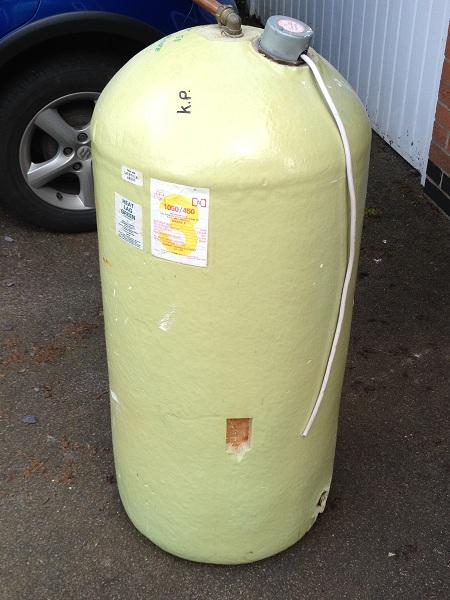 Hot water cylinder copper tank lagged insulated 114 for Copper hot water tank