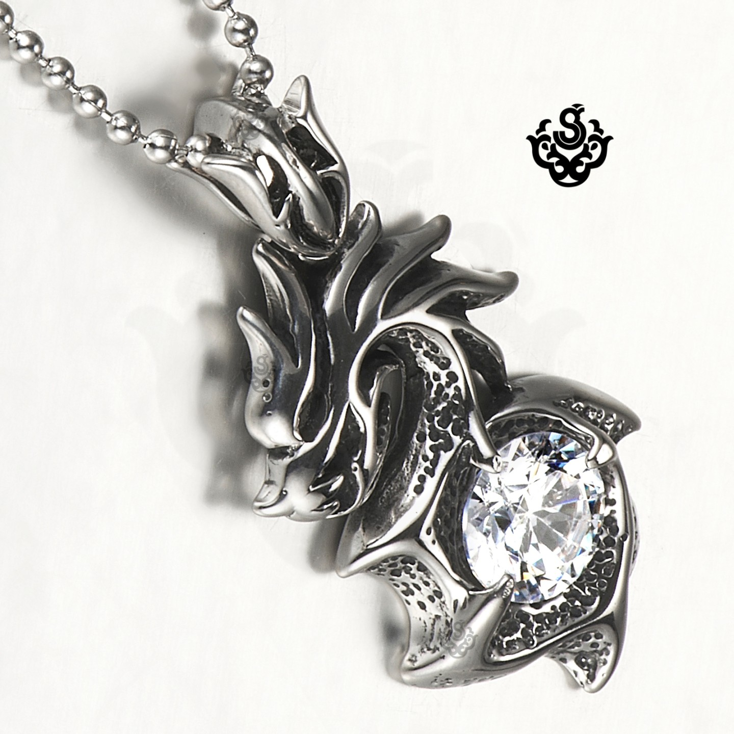 how to clean diamond necklace