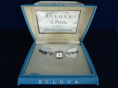 SUPERB Vintage BULOVA La Petite Ladies DIAMOND Watch 23 Jewel Original