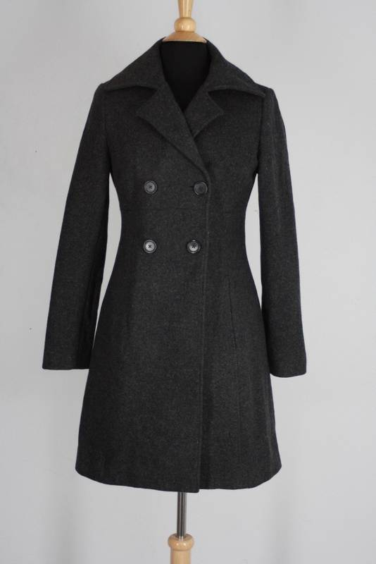 Dress to Impress with This Season's Peacoats for Women. Trendy women's peacoats have quite the interesting history: having first been worn by European sailors, these coats were then adopted by the U.S. Navy and finally popularized as an outerwear option for men and women everywhere.