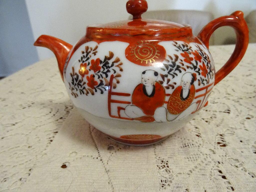 Antique japanese hand painted teapot with infuser tea ceremony ebay - Japanese teapot with strainer ...