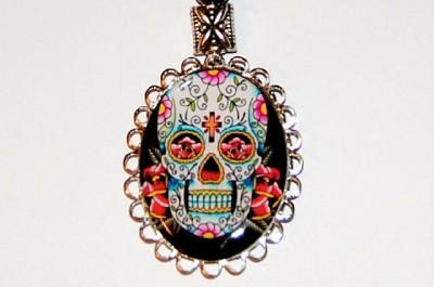 MEXICAN SUGAR SKULL DAY OF THE DEAD Dia de los muertos NECKLACE