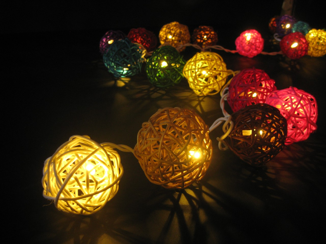 35 COLOURFUL Wicker Rattan Ball 5M LED String Fairy Lights Multicoloured Party eBay