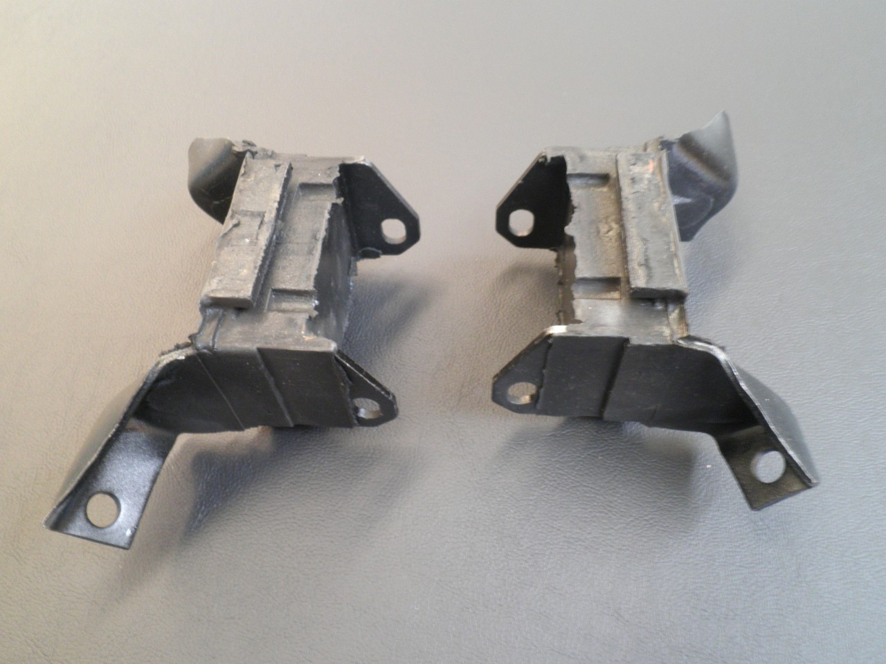 FORD-XY-GT-NEW-ENGINE-MOUNTS-SUIT-XA-XW-ZC-ZD-XB-351