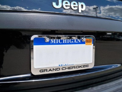 1993 2011 Jeep Grand Cherokee Chrome Metal License Plate Frame Logo Screw Caps B