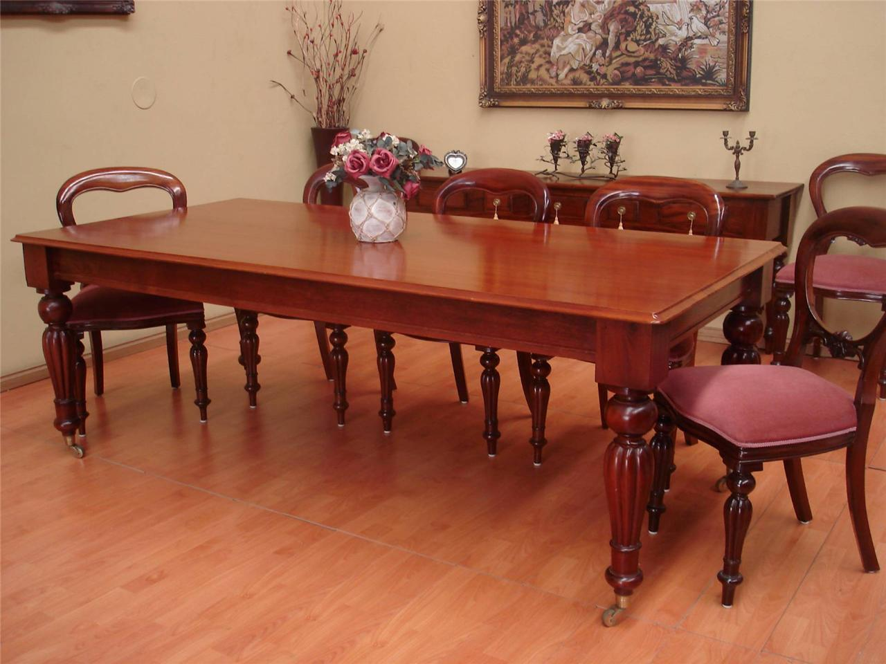 Antique style mahogany 8 seater dining room table with for Dining room table 8 seater