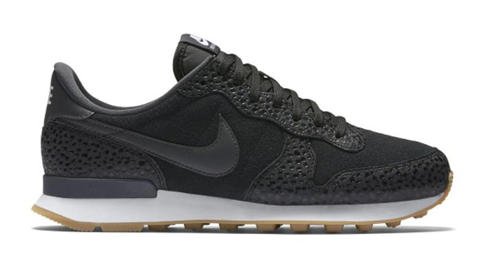 2016Jul Nike Internationalist Women