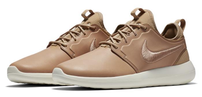 Nike Roshe Two Flyknit Women's Shoe. Nike SI