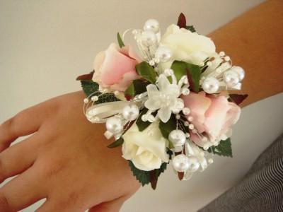 WRIST CORSAGE, WEDDING FLOWERS, PROMS | eBay