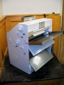 Countertop Dough Sheeter : ... about ACME Countertop Dough Roller - Pizza - Pastry Sheeter Model R11