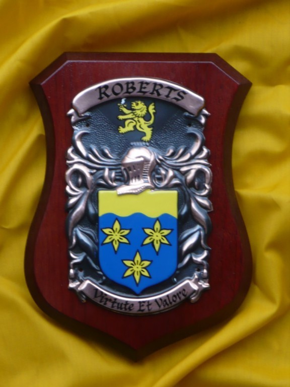WALKER-to-WILSON-Family-Name-Crest-on-HANDPAINTED-PLAQUE-Coat-of-Arms