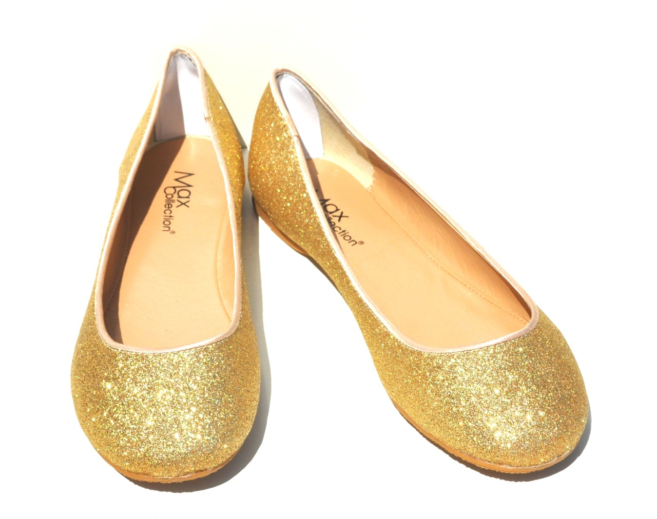 Shop our collection of charming gold flat shoes and upgrade your look. This extensive collection of gold flat shoes has a lot to offer. Take a look and find the piece that will define your style. Sometimes it's ok to .