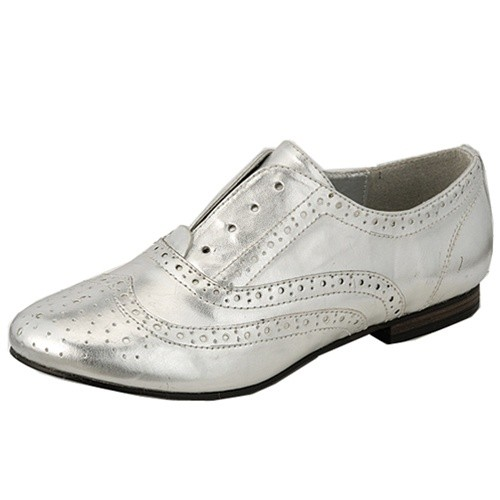 Breckelleu0026#39;s Silver Faux Leather Womens Flats Low Heel Oxford Shoes (Retail $65)