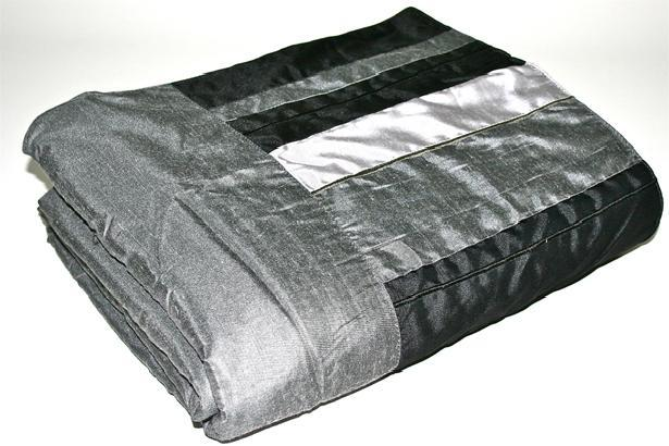 New Silk Black Grey Striped Quilted Bed Sofa Throw Blanket