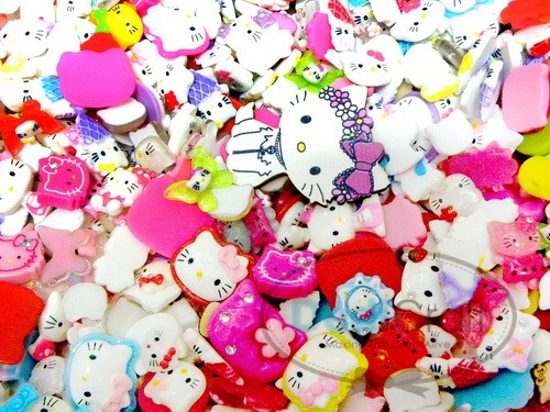 50g. MIX ASSORT HELLO KITTY RESIN FLATBACK BUTTON CRAFT