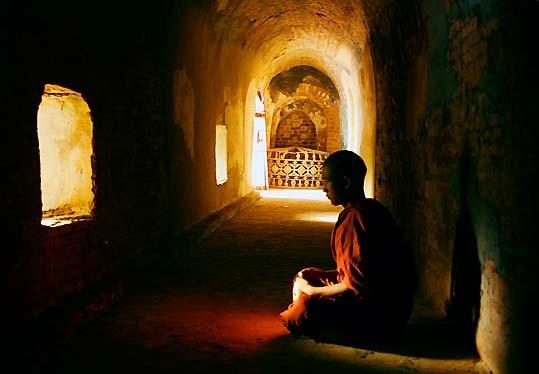 Description Zen Meditation Monk