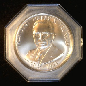 Harry's Truman Coins Token http://www.ebay.com/itm/Harry-S-Truman-Proof-President-Independence-Commemorative-Bronze-Token-Medal-/120915905677