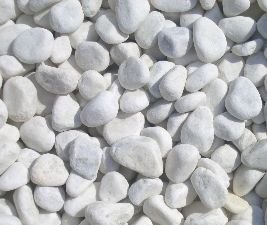 Beautiful 1 2cm snow white quartz garden pebbles 20kg bag for Large white landscaping rocks