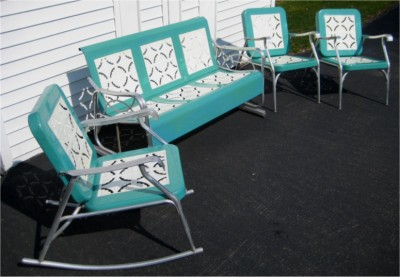 Vintage retro patio furniture 195039s aluminum metal glider for 1950s metal patio chairs