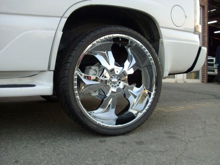 20 Chrome Wheels Rims Tires Package Starr 770 FWD 5x120