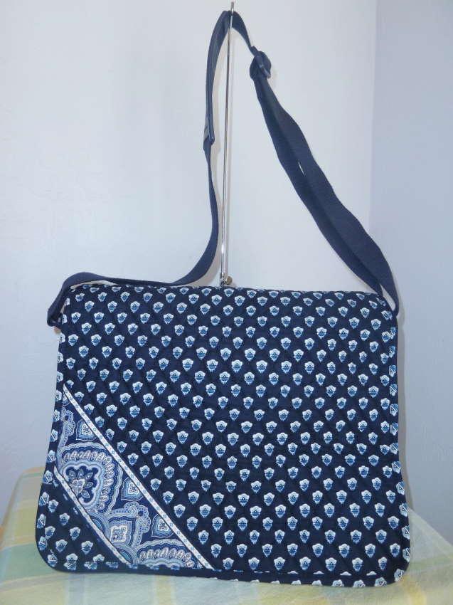 vera bradley messenger bag book bag diaper bag nantucket navy ebay. Black Bedroom Furniture Sets. Home Design Ideas