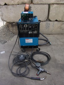 MILLER SHOPMASTER 300 WITH    WIRE    FEEDER AND 30A SPOOL GUN