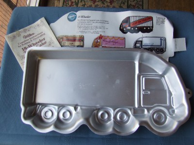 Tractor Trailer Cake Pan
