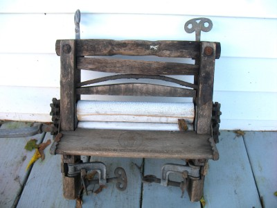 American Wringer Co Horseshoe Hand Crank Wash Clothes Wringer