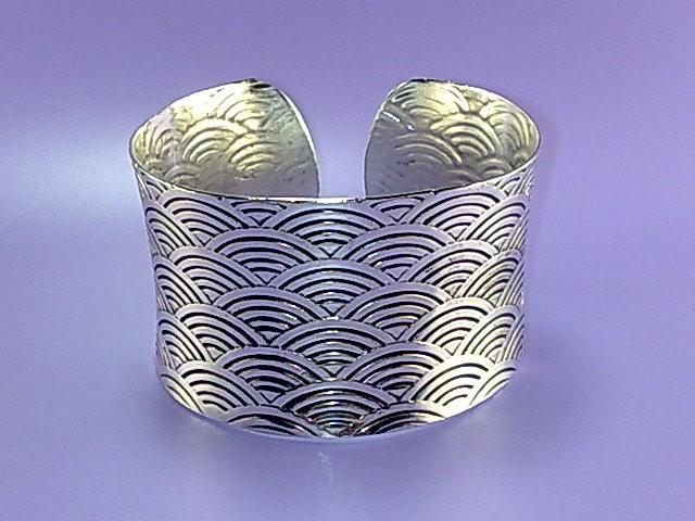 Ethnic Tibet Silver Craved Bracelet 1.5in Wide WB6.6