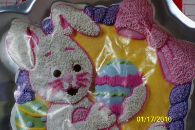 Wilton Easter Cake Decorating Ideas : WILTON BUNNY IN A BASKET CAKE PAN W/INSERT. GREAT