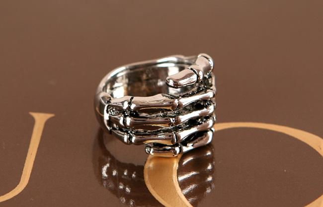 new skull hand mens womens fashion ring tb321 please review the photos