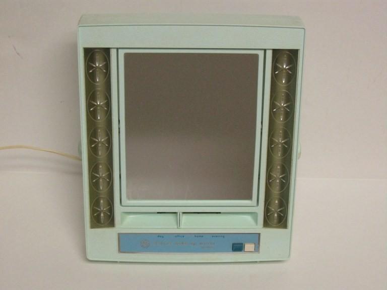 Vintage Ge General Electric Lighted Makeup Mirror Side