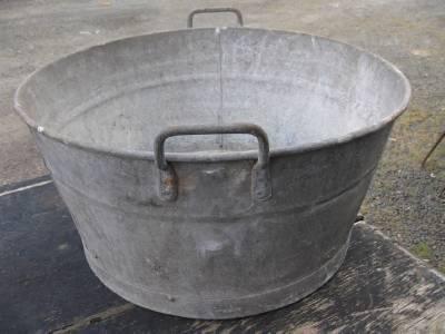 Metal Laundry Tub : VINTAGE metal WASH TUB circa 1940s Clothes washing laundry Industrial ...