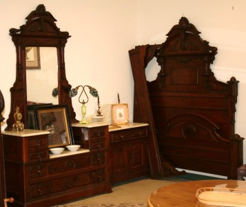 Antique 1800 39 s walnut renaissance 3 pc bedroom suite for Ebay bedroom suites
