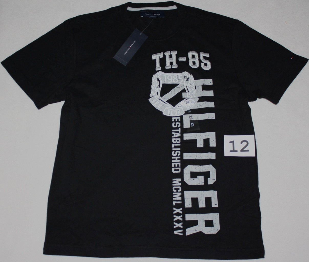nwt tommy hilfiger men 39 s graphic t shirt tee shirt s m l xl sale ebay. Black Bedroom Furniture Sets. Home Design Ideas