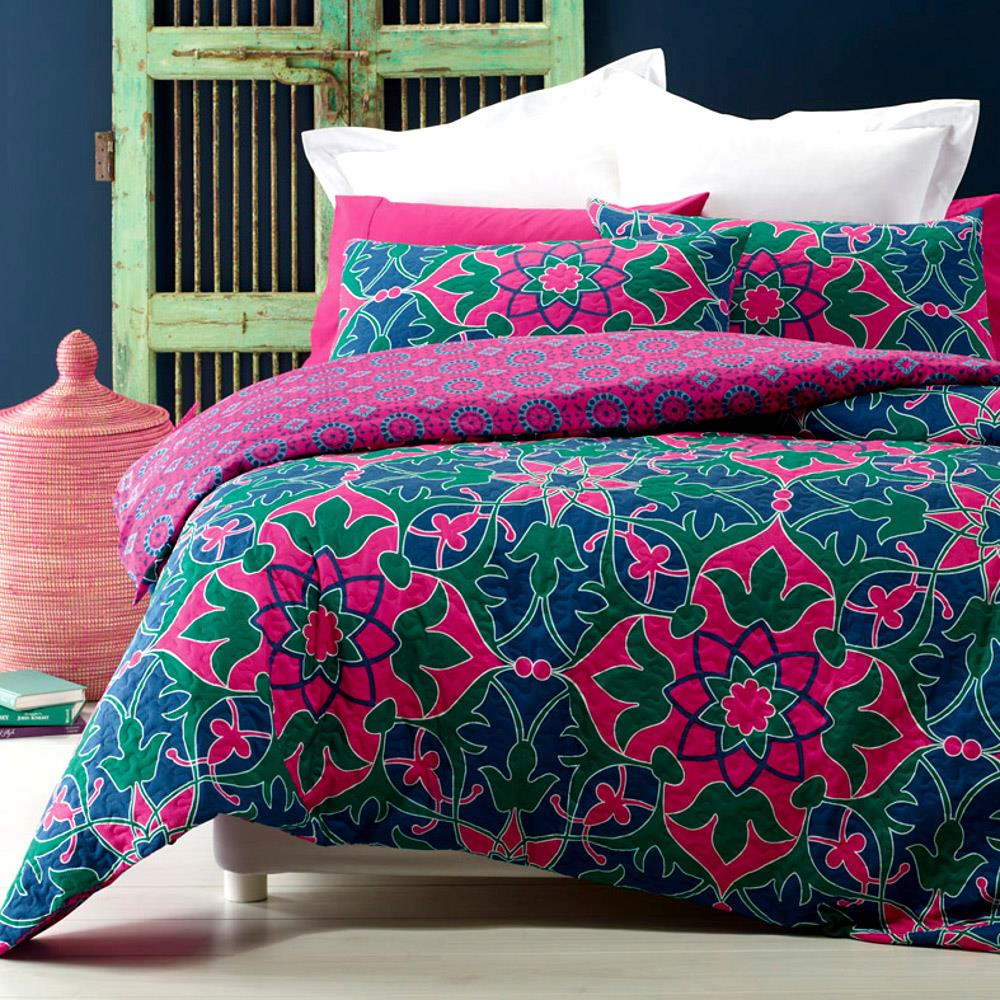 Pablo blue hot pink green quilted effect queen king quilt - Hot pink and blue bedding ...